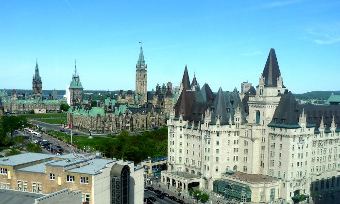 Ottawa Fairmont Chateau Laurier with Parliament Hill(Barbara Angelakis)