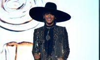 Beyonce Wins Fashion Icon Award at CFDA Fashion Awards