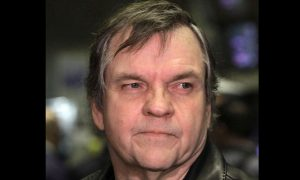 Update: Singer Meat Loaf Collapses Due to 'Severe Dehydration' During Concert in Canada