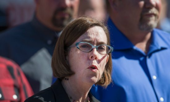 Oregon Governor Encourages People to Call Police on Neighbors Who Violate COVID-19 Restrictions