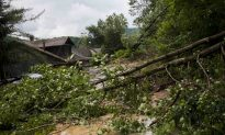Floods in West Virginia Kill 14, Over 100 Homes Damaged