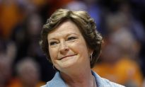 Coach Pat Summitt's Condition Worsening; Family, Friends, Players Lend Support