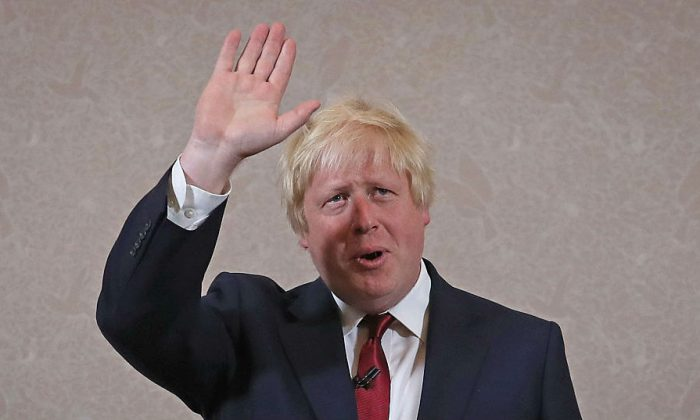 Former London Mayor and Conservative MP Boris Johnson waves as he speaks ruling himself out of becoming the next Conservative party leader at St Ermin's Hotel on June 30, 2016 in London, England.
