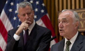 Bill Bratton Says He Won't Remain NYPD Commissioner Past 2017