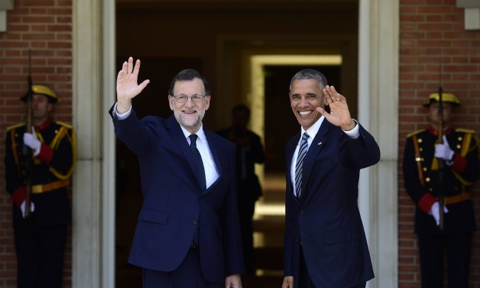 Spanish Prime Minister Mariano Rajoy (L) and President Barack Obama at Moncloa Palace in Madrid on July 10, 2016. (Pierre-Philippe Marcou/AFP/Getty Images)