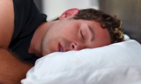 Study: Sleeping in a New Place Keeps Half the Brain on Alert (Video)