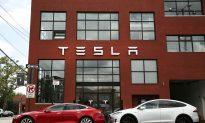 Is Tesla's Fatal Crash a Setback for Self-Driving Technologies?
