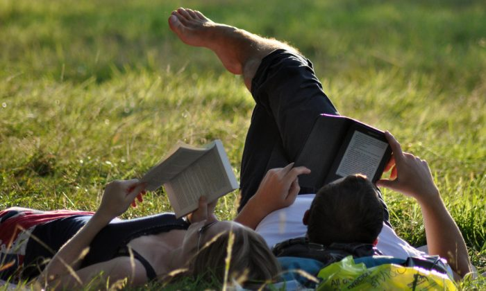 Paper or tablet? (Creative Commons/Megan Trace)