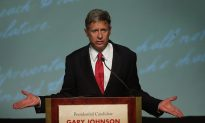 Libertarian Candidate Says Romney in Talks to Endorse
