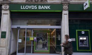 Lloyds Cuts 3,000 Jobs as Brexit Fears Take Shape