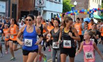 R4DT Runners and Walkers Take on Four Mile Course in Middletown's Downtown