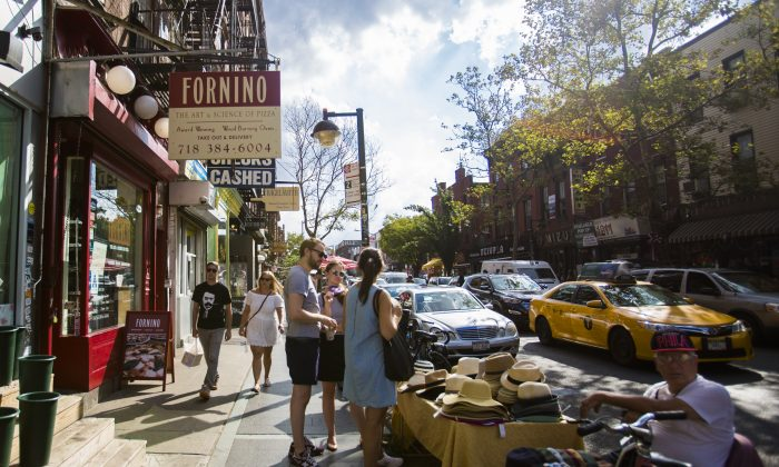 Bedford Avenue in  Brooklyn, on Aug. 19, 2016.  Small businesses in north Brooklyn are likely to lose customers when the L train shuts down for 18 months, starting in 2019. (Samira Bouaou/Epoch Times)