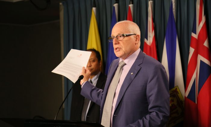Alex Neve, secretary general of Amnesty International Canada, speaks at a press conference on Parliament Hill on Aug. 30, 2016. A coalition of groups including AI is calling on Prime Minister Trudeau to make human rights an integral part of Canada's relationship with China. (Jonathen Ren/NTD Television)