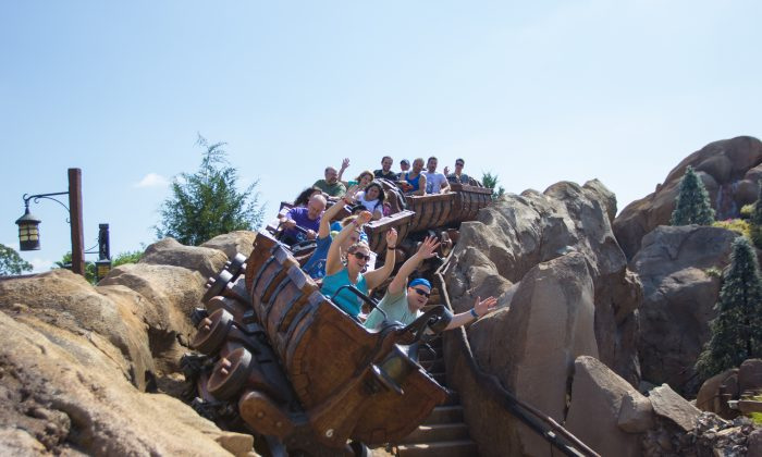 People ride The Big Thunder Mountain roller coaster at Disney's Magic Kingdom. The Big Thunder Mountain ride passed stones most successfully. (Benjamin Chasteen/Epoch Times)
