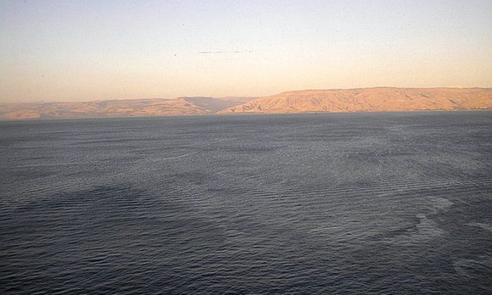 This shot of the Sea of Galilee was taken near the old city of Tiberias. The newly discovered structure is located just to the south. Photo by Deror Avi, through Wikimedia.