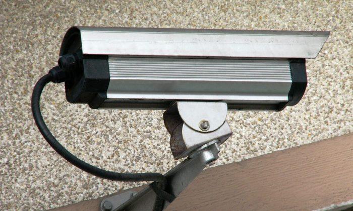 A surveillance camera. (Frédéric BISSON|via Flickr|CC BY 2.0)