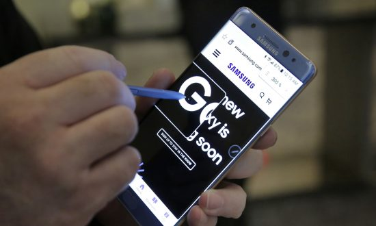 Overheating Phones Take a Toll on Samsung's Brand
