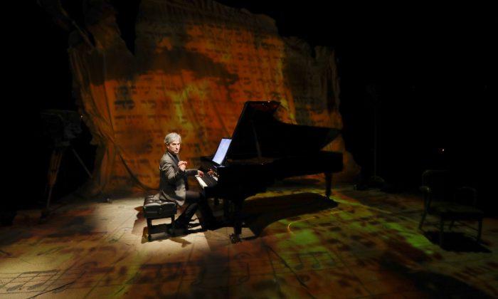 "Hersey Felder as Leonard Bernstein, in ""Maestro."" (Courtesy of  Hersey Felder Presents)"