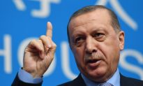 Amid Hefty Tourism Drop, Turkey Hopes to Weather Storm