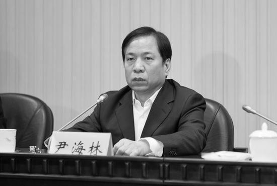Former Tianjin vice mayor Yin Hailin. (Beijing Television)