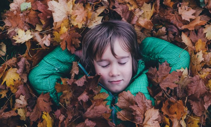 Teaching children relaxation and mindfulness techniques can help them cope with life's stresses from a young age, says teacher and holistic therapist Kate Beddow. (Annie Spratt/unsplash.com)