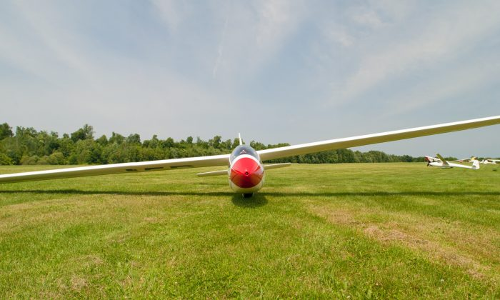 An aircraft at Randall Airport, in Wallkill, taken on 22 June 2013. (Peter| via Flickr| CC BY 2.0)