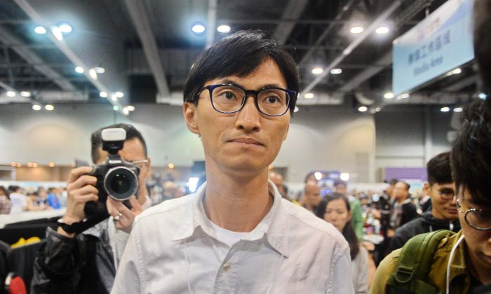 Newly elected LegCo lawmaker, Eddie Chu on Sept 5, 2016. (Song Bilong/Epoch Times)