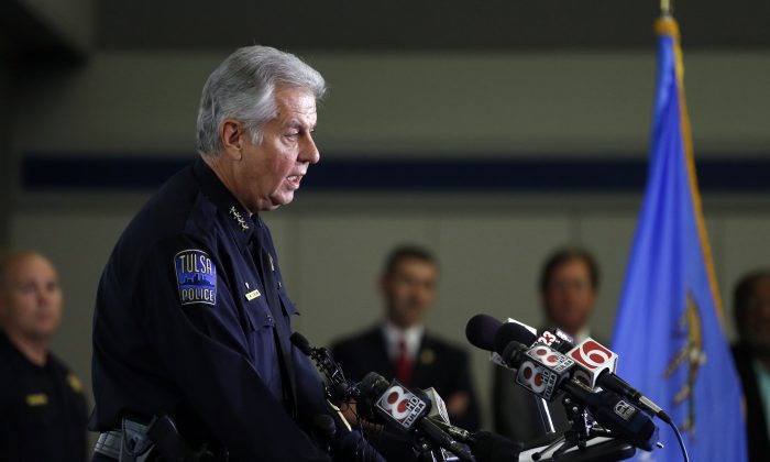 Tulsa police chief Chuck Jordan speaks to the media during a Tulsa Police Department press conf at the Tulsa Police CompStat building Monday, Sept 19, 2016., in Tulsa, Okla.  (Tom Gilbert/Tulsa World via AP)