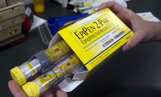 Here Is the First State to Require That Insurance Companies Cover EpiPens for Kids