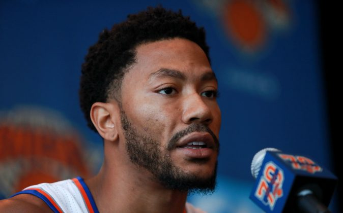 Derrick Rose #25 of the New York Knicks addresses the media during the New York Knicks Media Day at the Ritz Carlton on September 26, 2016 in White Plains, New York. Rose is a subject of a criminal investigation by LAPD into rape allegations. (Michael Reaves/Getty Images