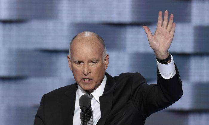 California Governor Jerry Brown addresses Day Three of the Democratic National Convention at the Wells Fargo Center in Philadelphia, Penn., on July 27, 2016. (Saul Loeb/AFP/Getty Images)