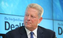 In Effort to Woo Millennials, Clinton Campaign Adds Al Gore to Surrogates List