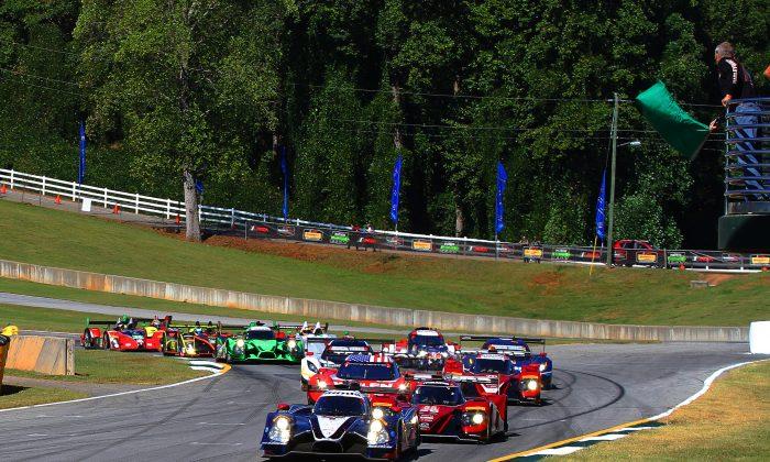 The #60 MSR Ligier-Honda leads the field to the green flag for the start of the 2016  IMSA WeatherTech Sportscar Championship Petit Le Mans at Road Atlanta on Oct.1. (Chris Jasurek/Epoch Times)