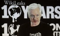 WikiLeaks' Julian Assange Defends Clinton Email Leaks
