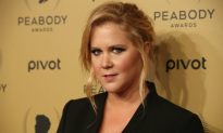 Amy Schumer 'Apologizes' to Tampa Trump Supporters