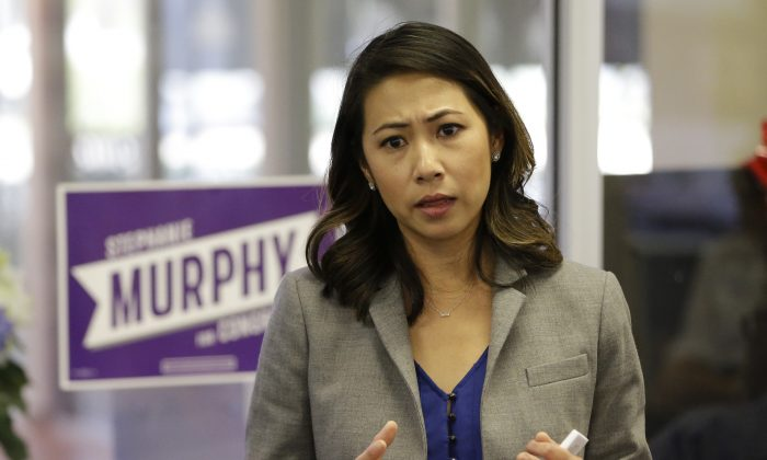 Democratic Congressional candidate Stephanie Murphy meets with voters at a senior center in Altamonte Springs, Fla., on Oct. 18, 2016. (John Raoux/AP Photo)