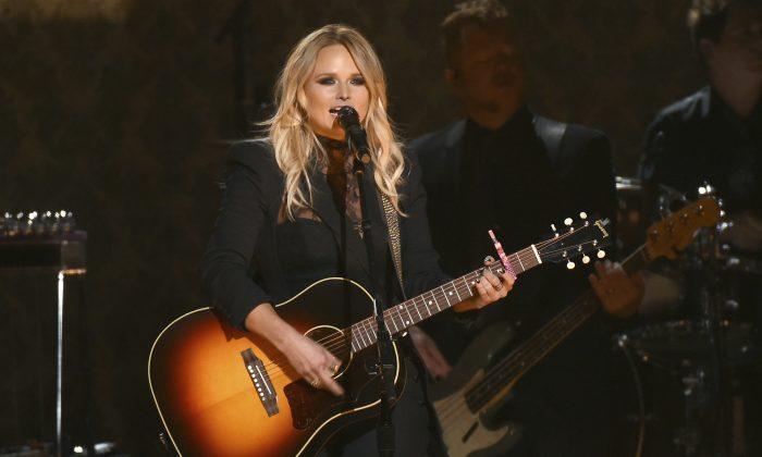 "Miranda Lambert performs ""Vice"" at the 50th annual CMA Awards at the Bridgestone Arena in Nashville, Tenn., on Nov. 2, 2016. (Charles Sykes/Invision/AP)"
