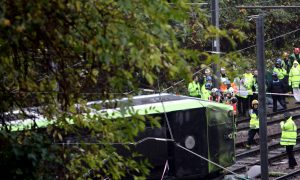 London Tram Derails, Police Say 'Some Loss of Life'