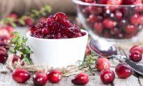 Easy, No-Sugar Cranberry Sauce
