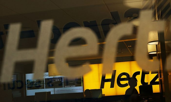 A Hertz car rental agency stands in Manhattan, N.Y., on June 30, 2016. (Spencer Platt/Getty Images)
