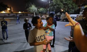US Releases Haitians Coming From Mexico