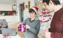 9 Ways to Simplify the Holidays This Year