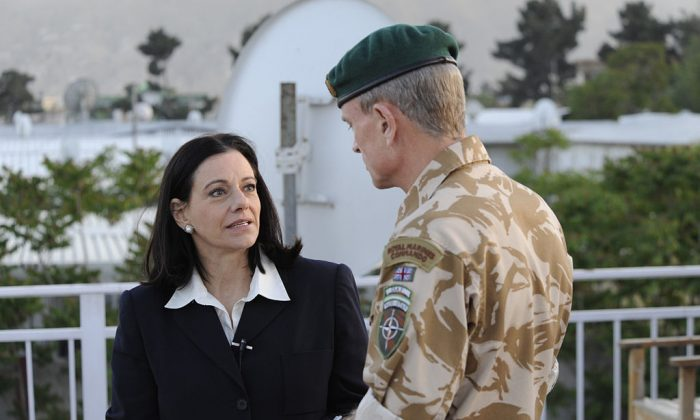 KT McFarland talks with the deputy commander of ISAF Lt Gen J.B Dutton (UK) before an interview. The interview took place 10 May 2009 at ISAF HQ in Kabul Afghanistan. (ISAF Headquarters Public Affairs Office)