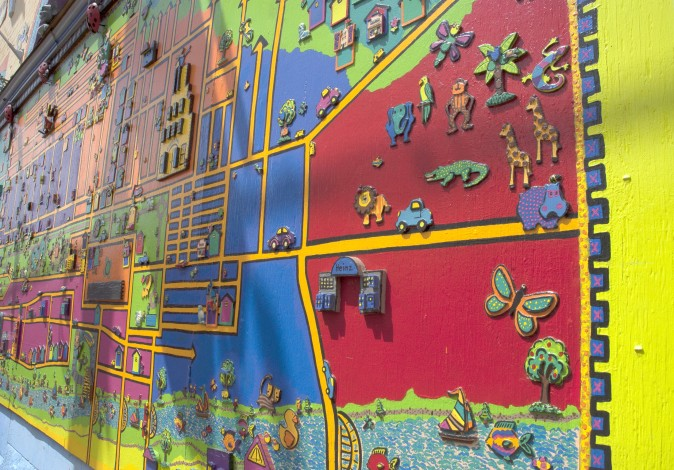 Murals at Randyland, a free outdoor gallery of folk art and Pittsburgh's most colourful landmark. (Carole Jobin)