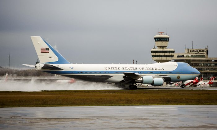 Air Force One departs with U.S. President Barack Obama on board as he departs following talks with European leaders in Berlin, Germany on Nov. 18, 2016. President-elect Donald Trump has said he wants to scrap plans to order two new presidential planes, citing costs. (Carsten Koall/Getty Images)