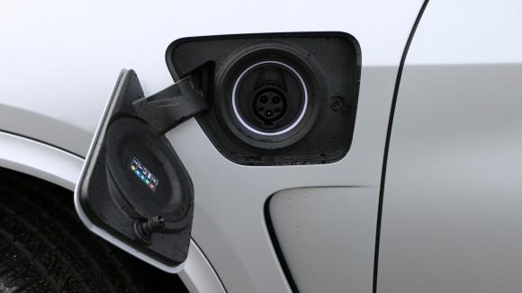 2016 BMW X5 xDrive40e (David Taylor)