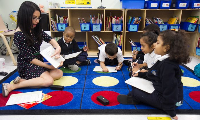 Children play at a charter school. (Benjamin Chasteen/The Epoch Times)