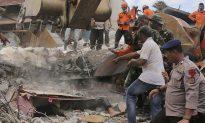 Frantic Rescue Underway in Indonesia as Quake Kills Scores
