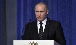 Putin Says Russia Won't Expel US Diplomats in Hacking Flap