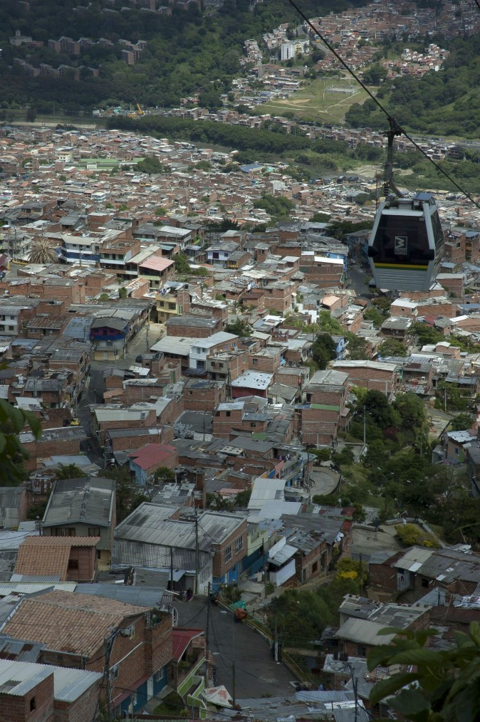 The comunas of Medellín are connected by gondolas to the rest of the city. (Carole Jobin)